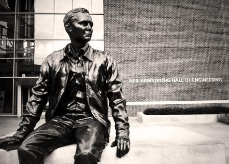 armstrong-statue